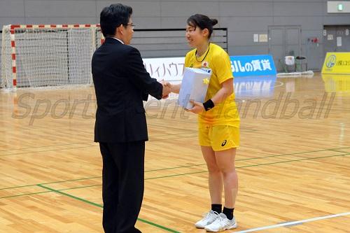 MVPに輝いた日本女子代表の横嶋(か)