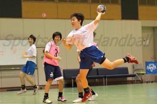 速攻練習では、直前に練習したきっかけの動きを重点的に取り入れていた(写真は小林)