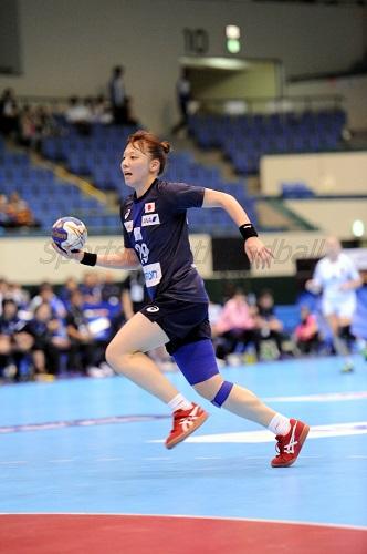 チーム最多の11得点をあげ、自慢の脚力を活かして速攻で貢献した松村