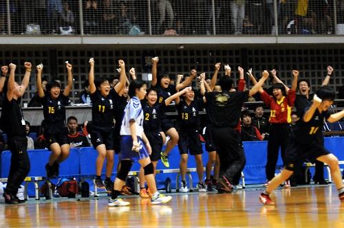 1点差で逃げ切りに成功した東京の歓喜の瞬間