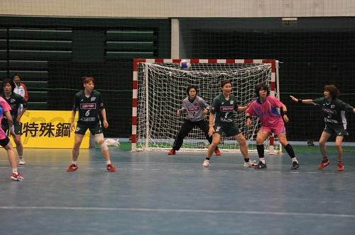 広島は松村(左)をトップにした5:1DFをこの試合でも起用してくるか注目