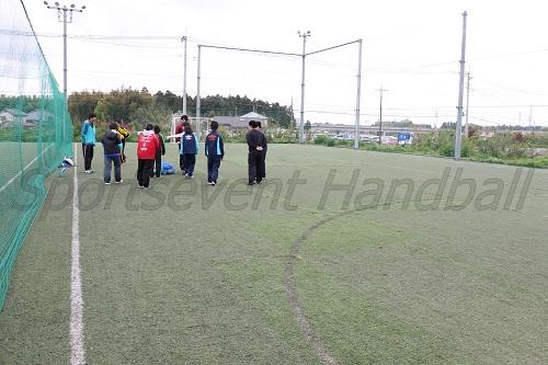 スポーツシューレつくばは人工芝のフットサルコート。ここがメインの練習場所になる