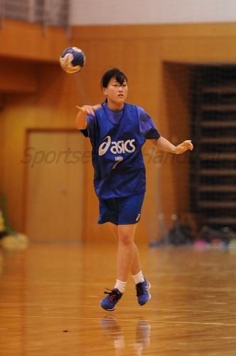 合わせる機会が少ない中でも、チームをリードできるプレーが魅力の土居。石川監督からの期待も大きい