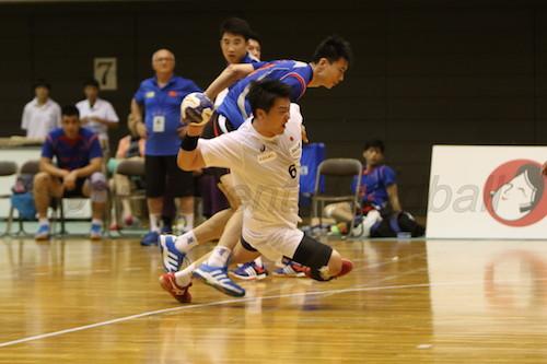 ライン際で驚異的な粘りを見せた日本代表・加藤