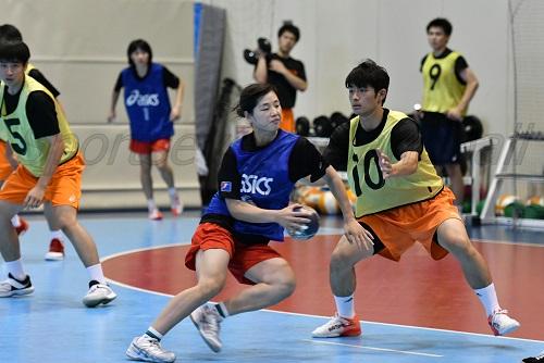 パワーで勝る男子選手をアジア勢に見立て、練習を繰り返した